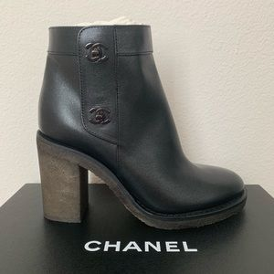 NEW Chanel Black Shimmer Turnlock CC Heel Boots 28